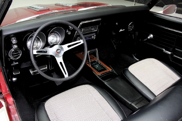 For Sale Used 1968 Chevrolet Camaro convertible convertible and  houndstooth | American Dream Machines Des Moines IA 50309