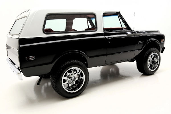 For Sale Used 1972 Chevrolet K5 Blazer 4WD Houndstooth, Chrome Wheels | American Dream Machines Des Moines IA 50309