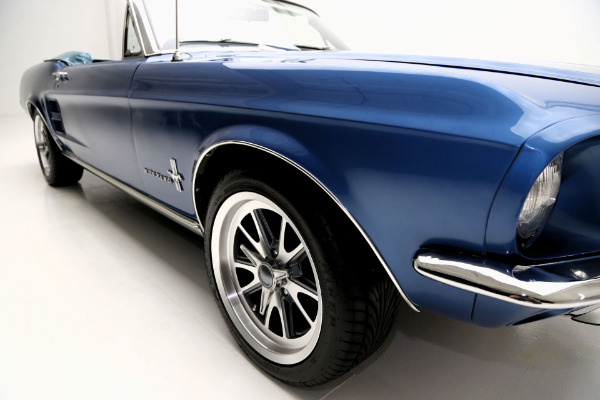 1967 ford mustang convertible acapulco blue new 302 for Ford mustang motor sizes