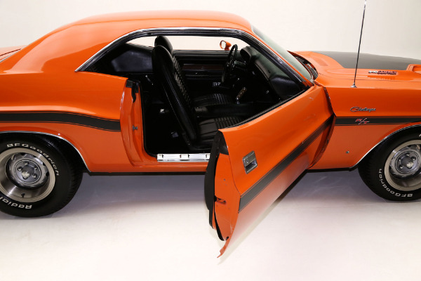 For Sale Used 1970 Dodge Challenger R/T 340 Six Pack, Pistol Grip | American Dream Machines Des Moines IA 50309
