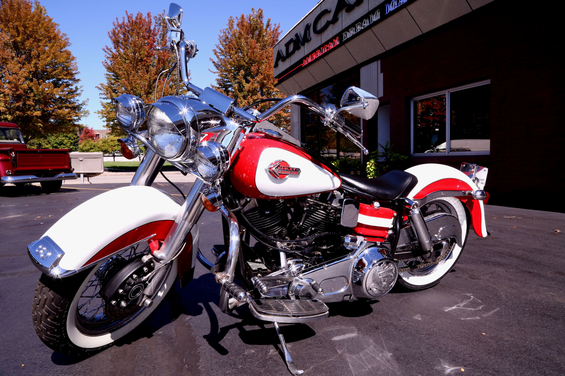 1979 harley davidson shovelhead red white american dream machines classic cars muscle cars. Black Bedroom Furniture Sets. Home Design Ideas